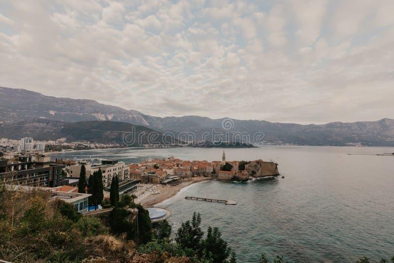 N?hen Sie Ansicht zum alten Stadtod Budva in Montenegro lizenzfreies stockbild