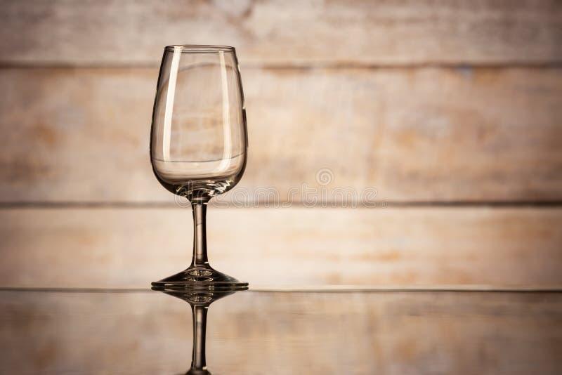 ??n leeg wijnglas stock afbeelding