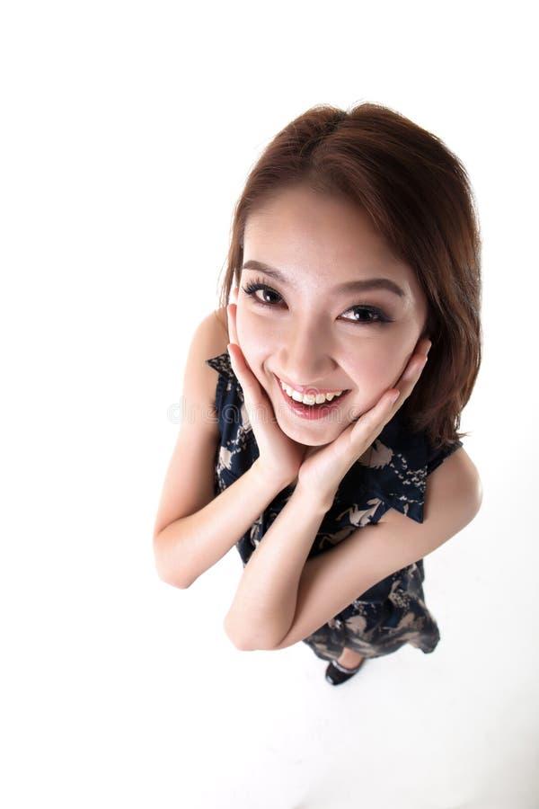 n?tt thai kvinna f?r aktiv asiatisk utomhus- st?ende fotografering för bildbyråer