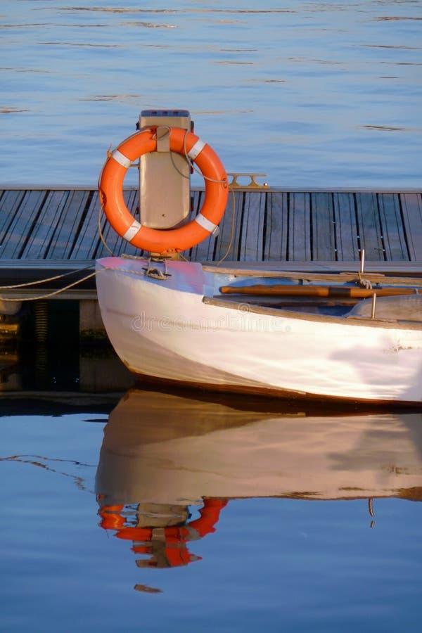 Na łodzi ratownika pławik obraz royalty free