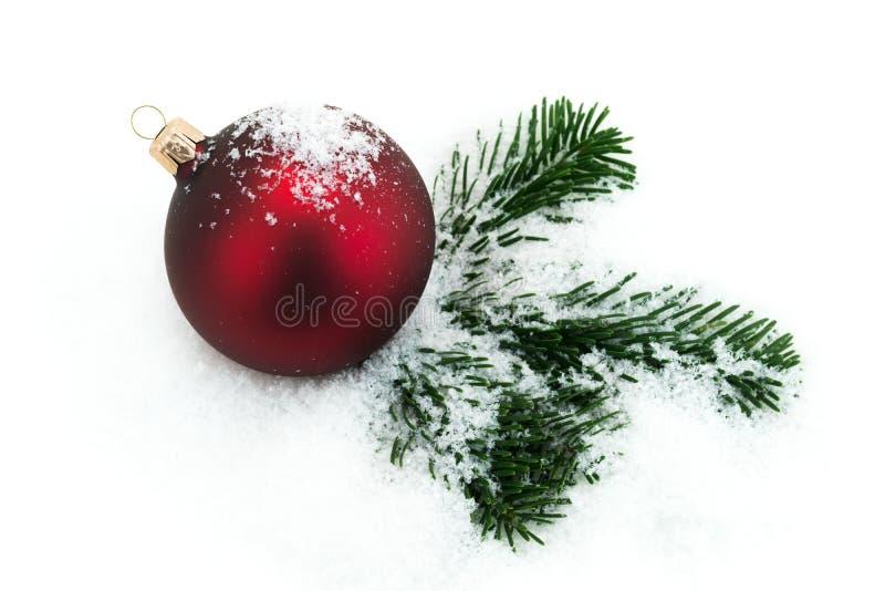 Na śniegu bożenarodzeniowa dekoracja fotografia royalty free
