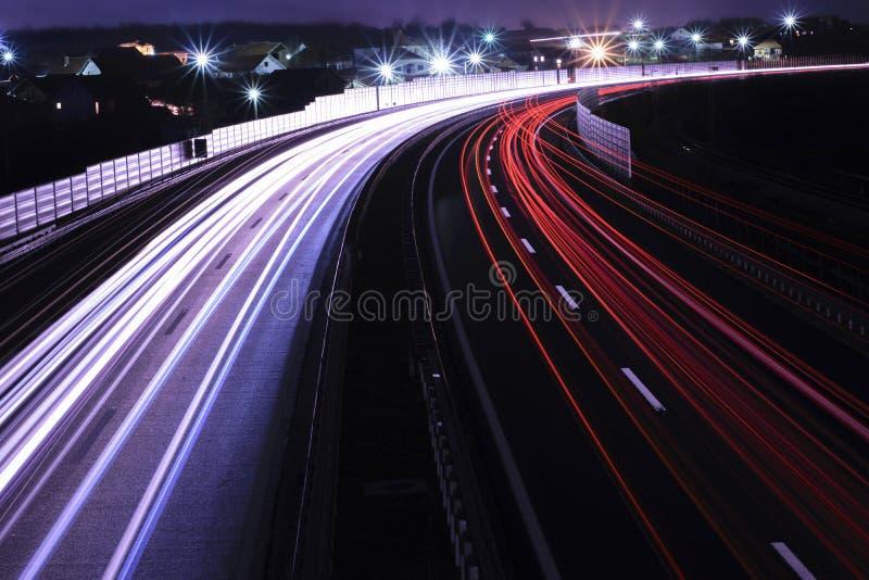 Na autostradzie samochodowi światła fotografia stock