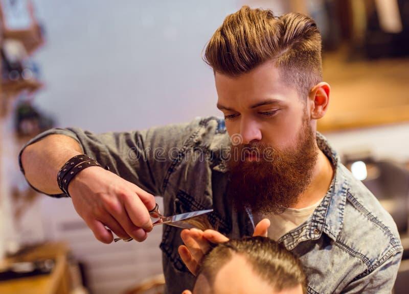 Na barbearia fotos de stock royalty free