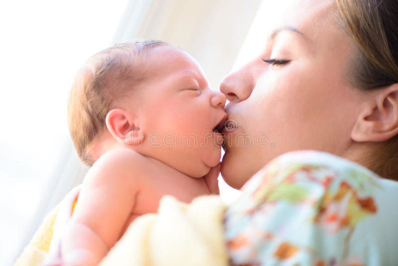 Na bevallings pasgeboren baby royalty-vrije stock foto