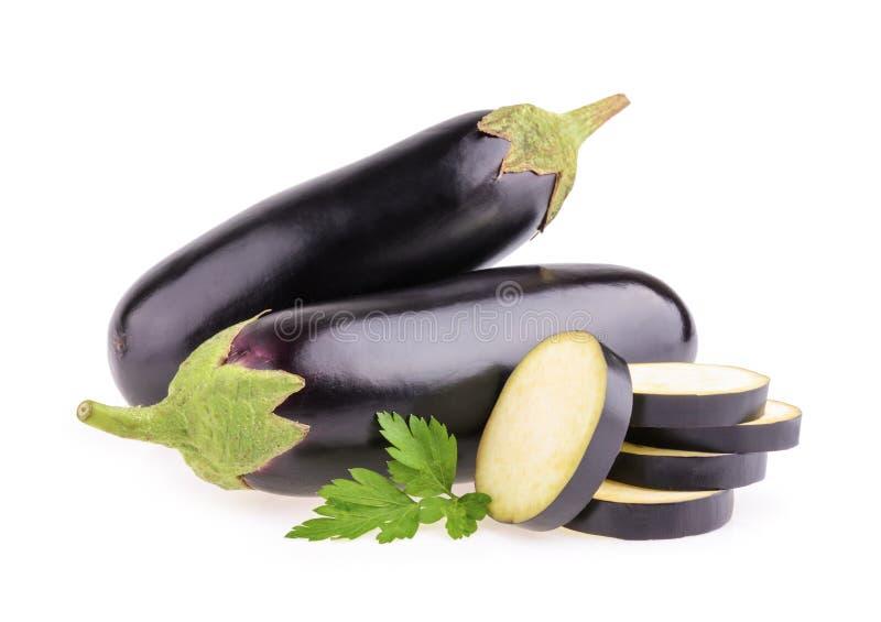 Na biały tle oberżyny lub aubergine warzywo obrazy stock