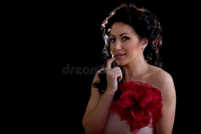 Na czerń brunetek piękne kobiety zdjęcia royalty free