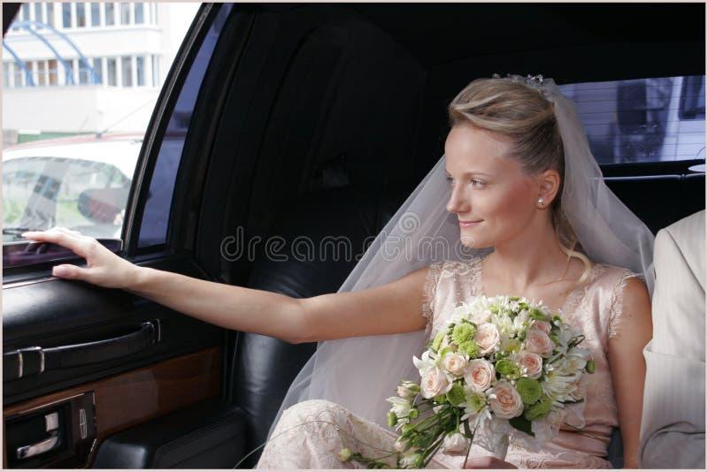 Na limusina do casamento imagem de stock royalty free