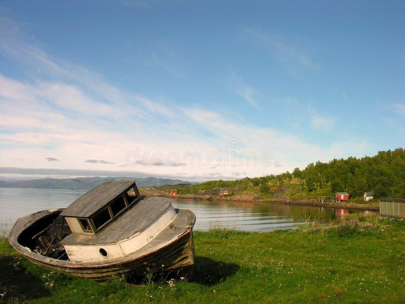 na mieliźnie łódź lofoten zdjęcie stock
