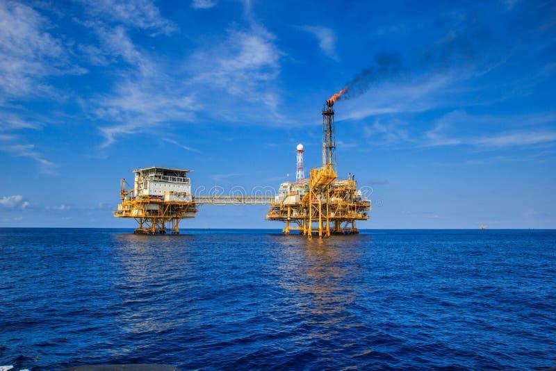 Na morzu przemysł ropa i gaz zdjęcia royalty free