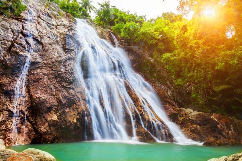 Na Muang 1 vattenfall, Koh Samui, Thailand arkivfoto