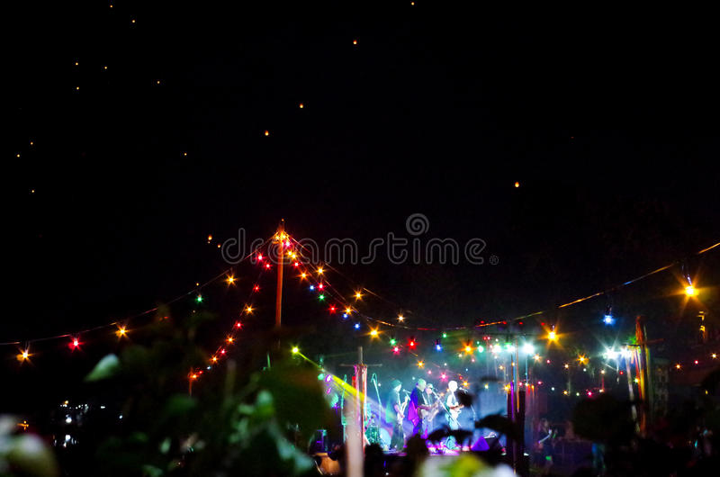 Na otwartym powietrzu przyjęcie przy nocą zdjęcie royalty free