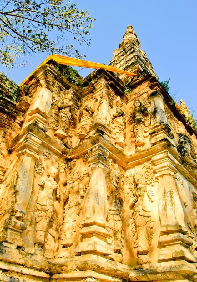 Na pagodzie opiekunu anioła bóstwa stiuk lub. zdjęcia royalty free