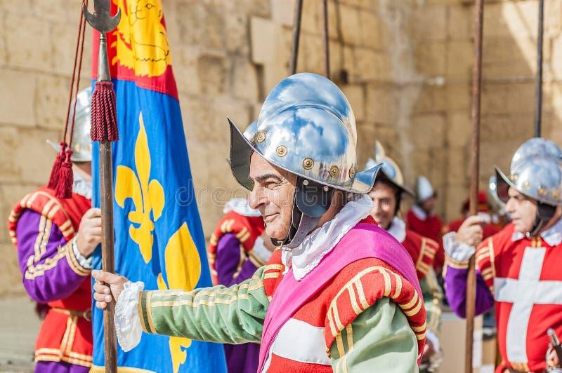 Na parada de Guardia em Cavalier do St. Jonh em Birgu, Malta. fotografia de stock