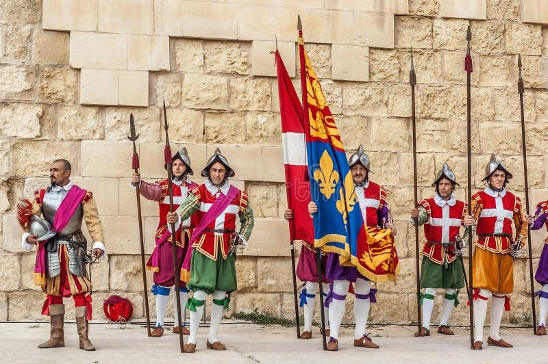 Na parada de Guardia em Cavalier do St. Jonh em Birgu, Malta. imagens de stock