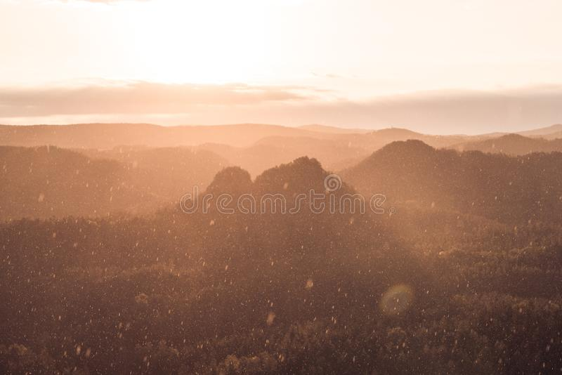 Na parte superior de Suíça saxão do nationalpark fotos de stock royalty free