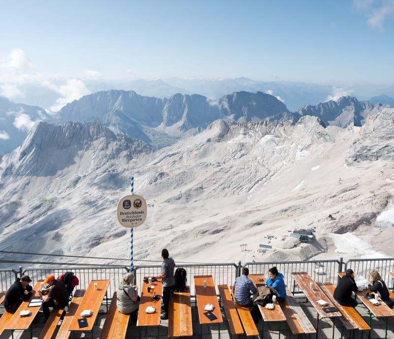 Na parte superior do Zugspitze imagens de stock royalty free