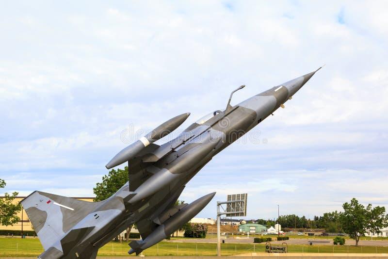 Na patrolu - myśliwiec w w powietrzu obraz stock