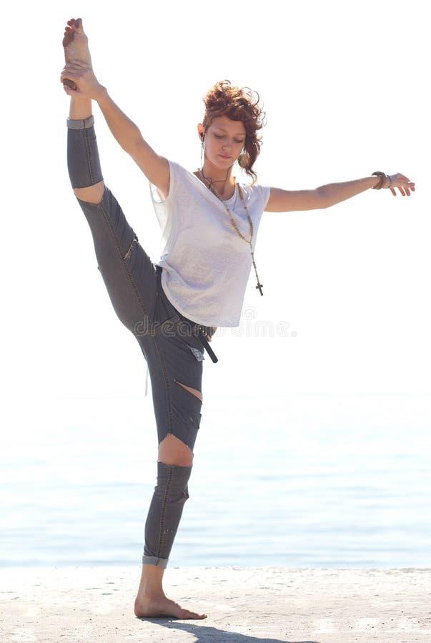 Na plaży balerina młody taniec fotografia royalty free