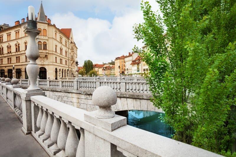 Na ponte tripla em Ljubljana imagem de stock