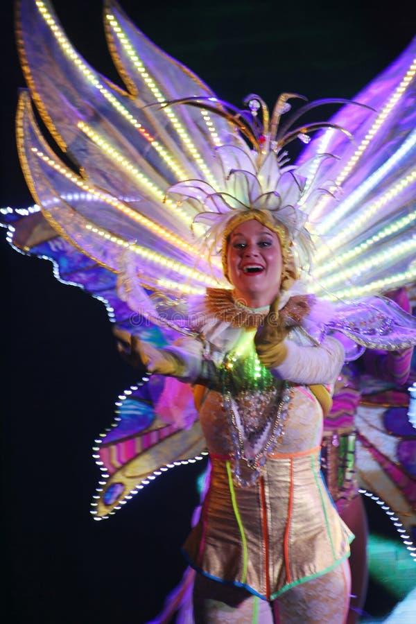 Na scenie w spektakularnym przedstawieniu Najważniejszym muzykalny theatre fotografia stock