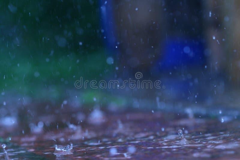 na terenach odkrytych deszcz obraz stock