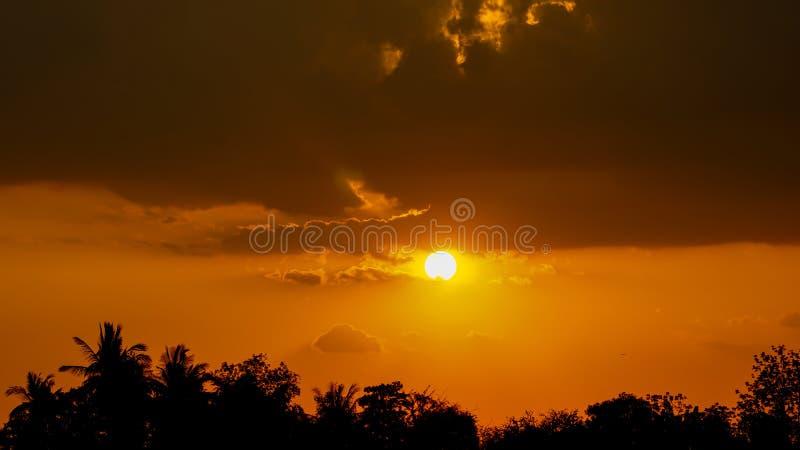 Na wschód słońca nieba tło składu projekta elementu natury raj obraz stock