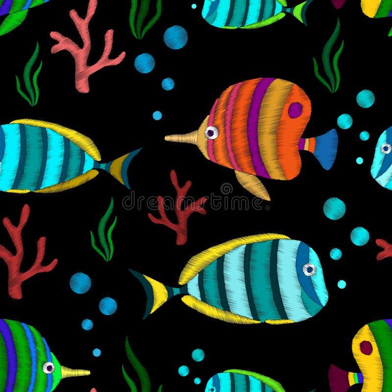 Naadloos patroon met tropische vissen royalty-vrije illustratie