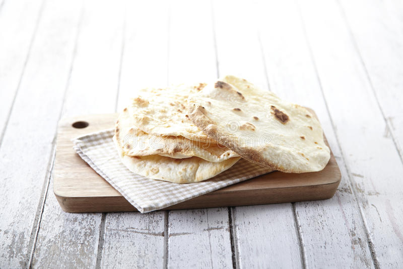Naan, ινδικά τρόφιμα στοκ φωτογραφίες