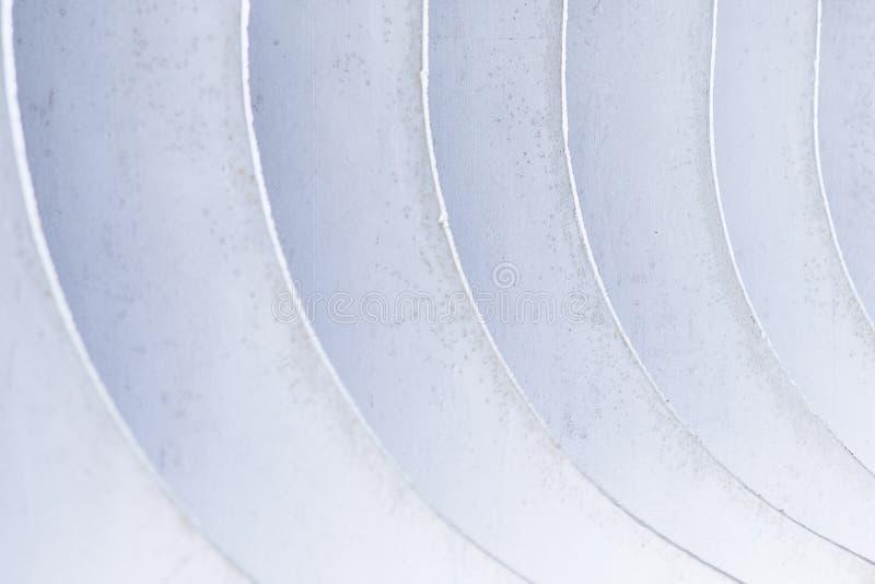 Download Naar Beneden Rond Gemaakte Metaalbladen Stock Foto - Afbeelding bestaande uit ontwerp, staalfabriek: 114228272