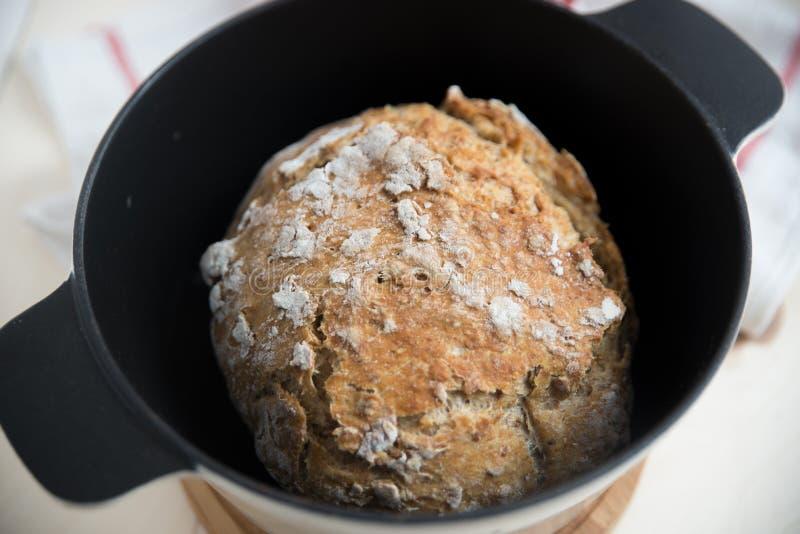 Naar huis gemaakt brood stock fotografie
