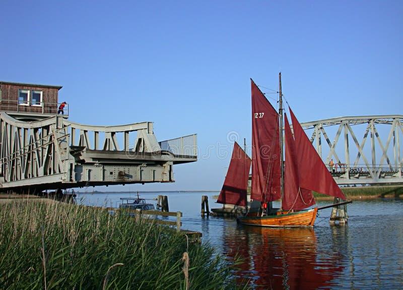 Download Naar huis komst stock foto. Afbeelding bestaande uit sailing - 295308
