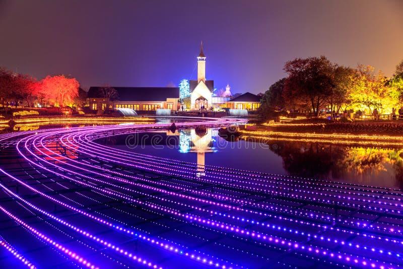 Nabana nenhuma iluminação do inverno do jardim de Sato na noite, Nagoya imagens de stock royalty free