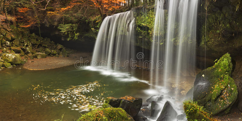Nabegataki在日本在秋天下跌 免版税图库摄影