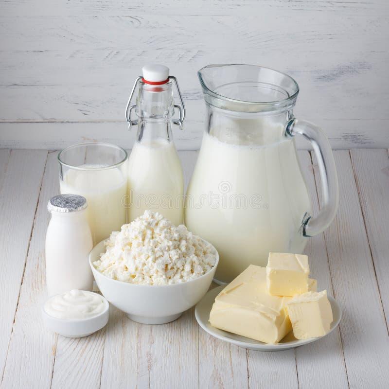 nabiału odosobnienia produkty biały zdjęcie stock