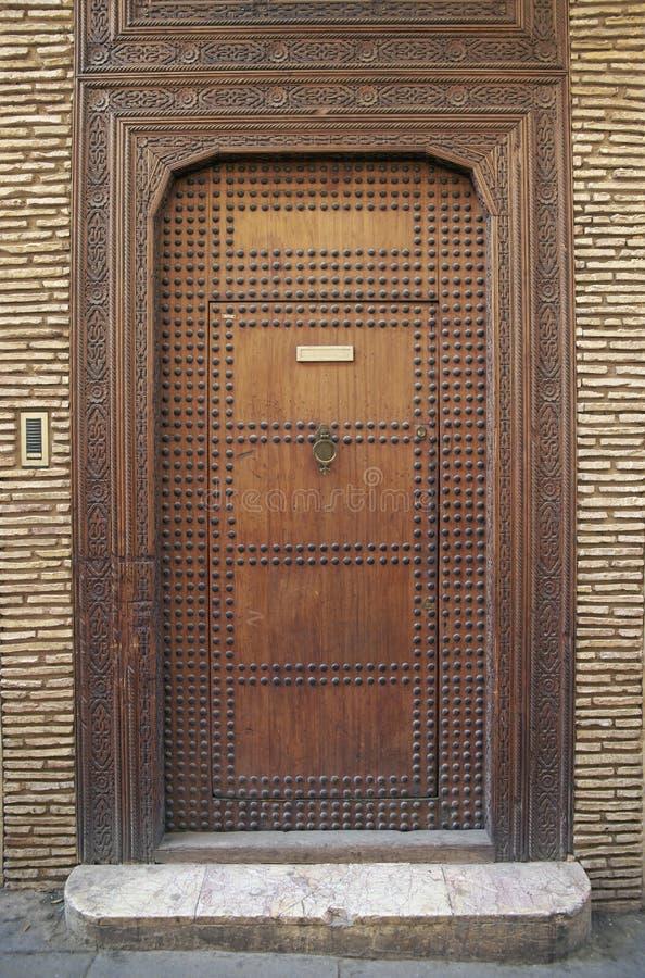 Nabijający ćwiekami drzwi zdjęcia stock
