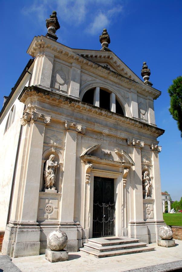 Nabijgelegen kerk aan Stad Hall Limerick in de provincie van Padua in Veneto (Italië) stock fotografie