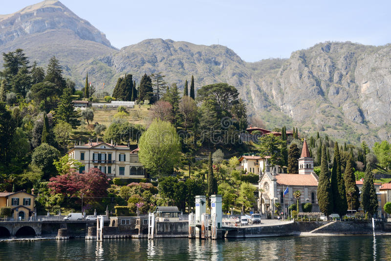 Nabrzeże Cadenabbia, miasteczko na Como jeziorze fotografia royalty free