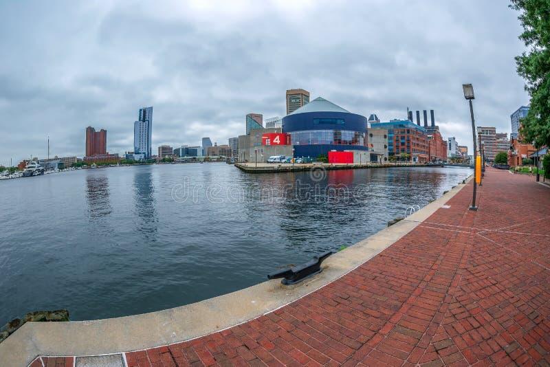 Nabrzeże deptak przy Wewnętrznym schronieniem, Baltimore, usa obrazy royalty free
