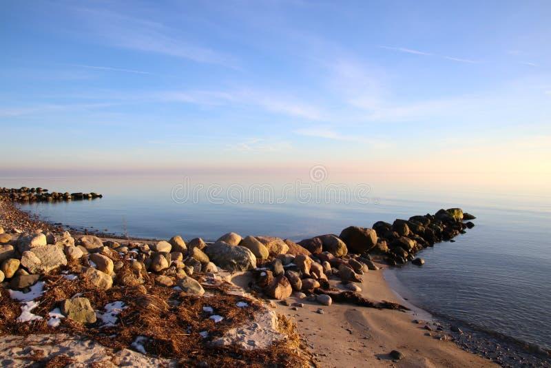 Nabrzeżna ochrona na plaży fotografia royalty free