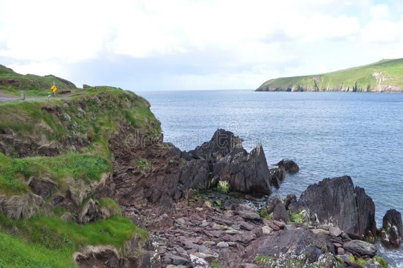 Nabrzeżna zatoka w Dingle, okręg administracyjny Kerry, Irlandia obraz royalty free