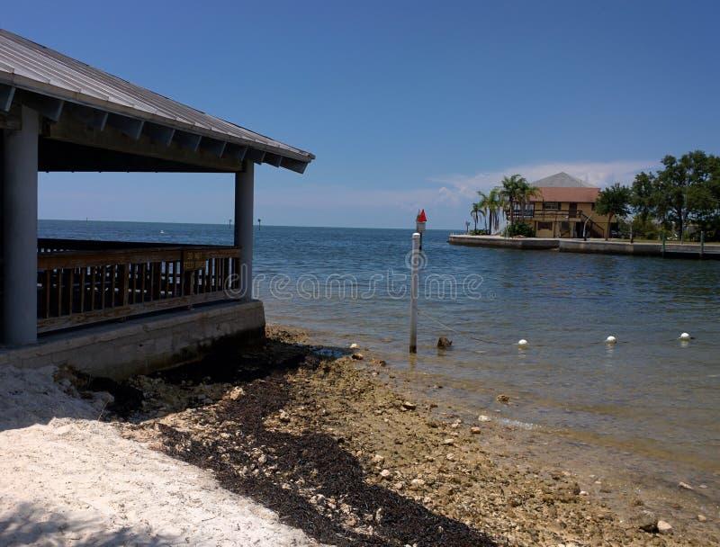 Nabrzeżne pawilony na zatoki wybrzeżu Floryda zdjęcie royalty free
