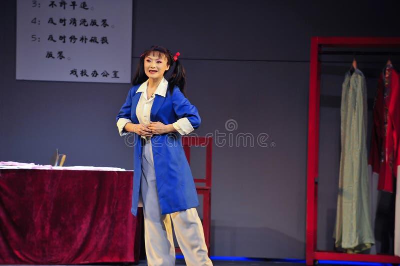 Nach dem Mantel Kulturrevolutions-Schauspielerjiangxis OperaBlue stockbild