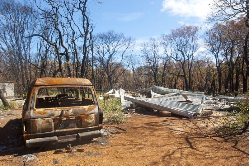 Nach Hause zerstört nach bushfire lizenzfreie stockfotografie