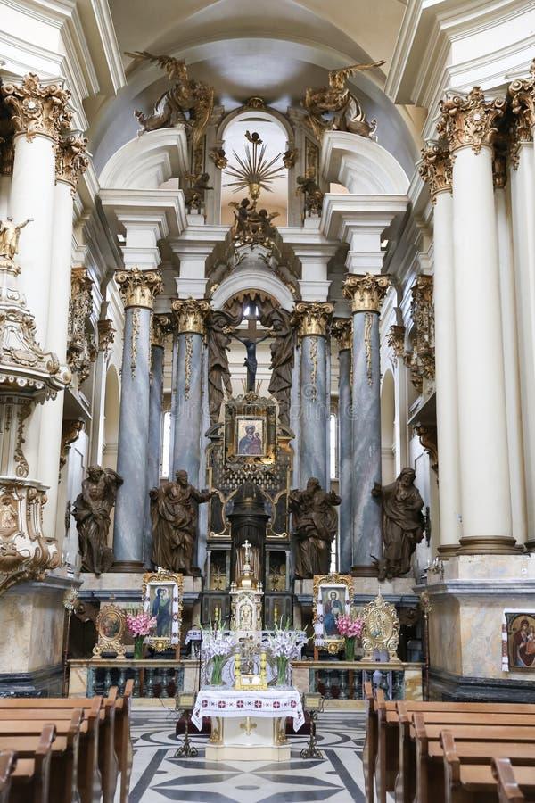 Nach innen von der dominikanischen Kirche in Lemberg-Stadt, Ukraine stockfotografie