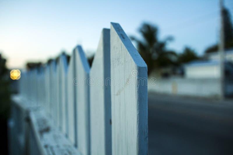 Nachbarschaftlicher Zaun stockbilder