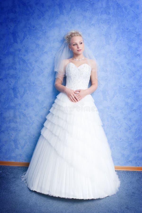 Nachdenkliche Braut lizenzfreie stockfotografie