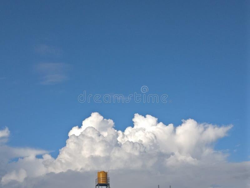 Nachmittagswolke stockbilder