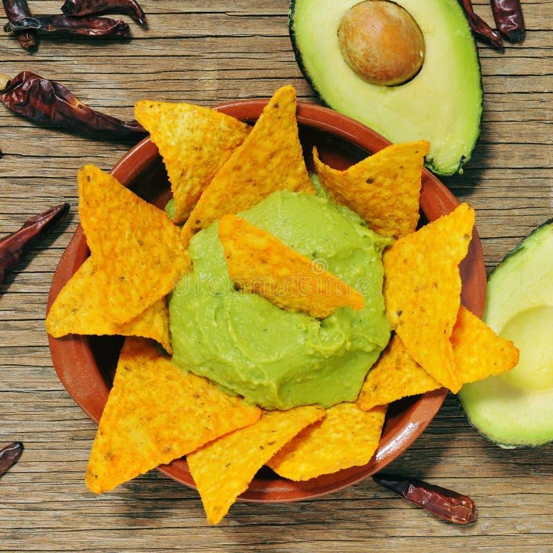 Nachos и guacamole стоковое фото rf