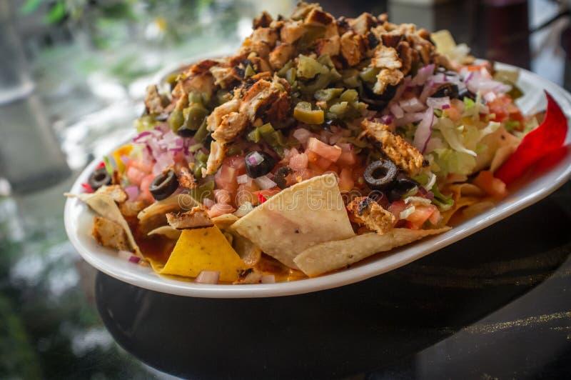Nachos нагруженные мексиканцем стоковое фото