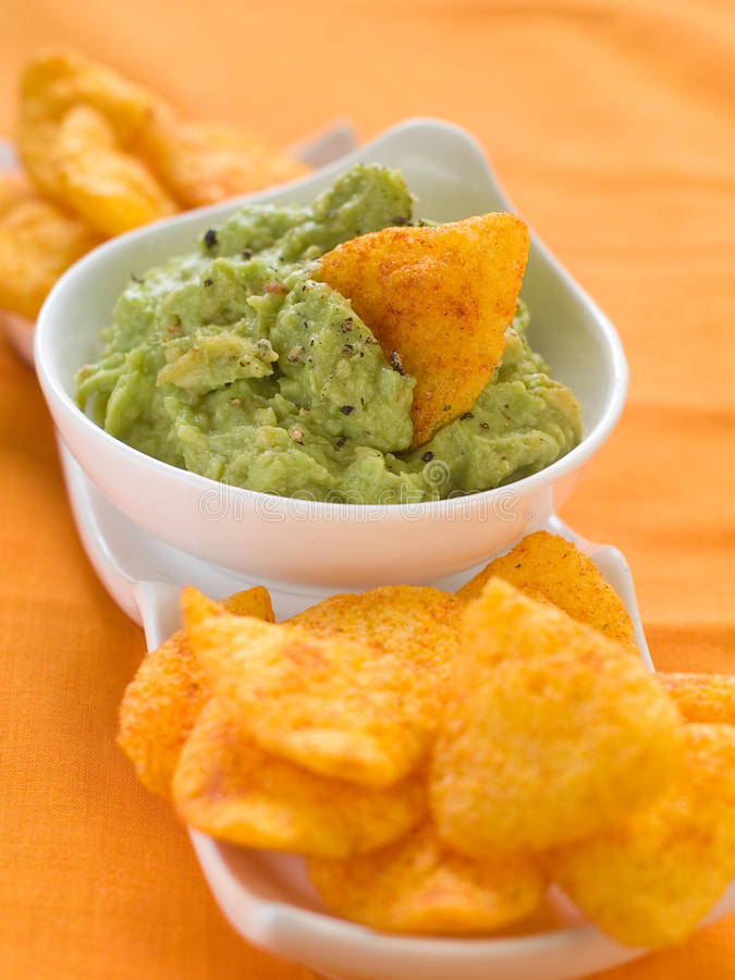 nachos guacamole стоковое изображение rf